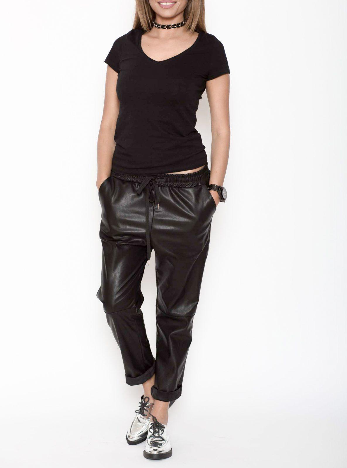 Pantaloni piele ecologica negri